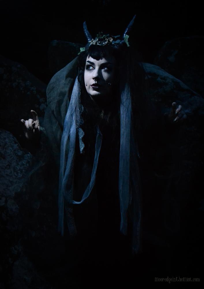 Unseelie, dark faerie © Bryony Whistlecraft | MooredgeintheMist.com