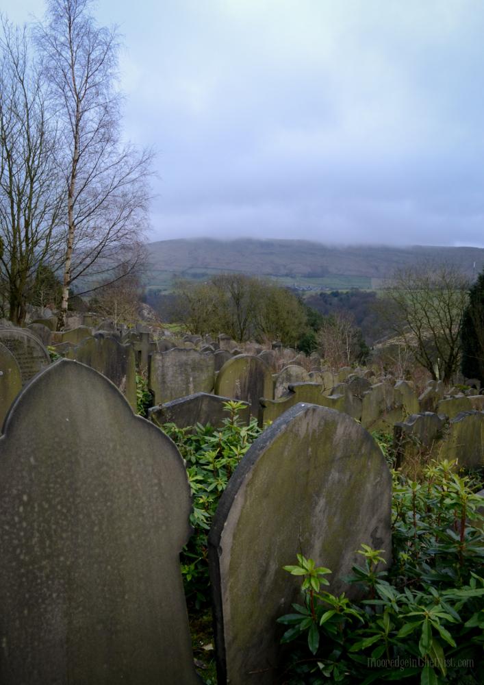 Cross Stone Cemetery, View to Stoodley Pike © Bryony Whistlecraft | MooredgeintheMist.com